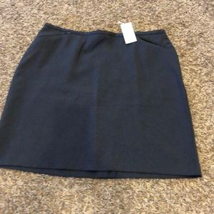 NWT. New York&Co. Gray skirt. Size 12